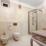 Дизайн интерьера ванной комнаты в классическом стиле